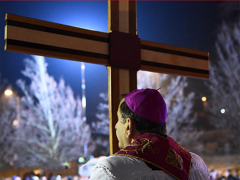 Via Crucis con l'Arcivescovo Mario Delpini
